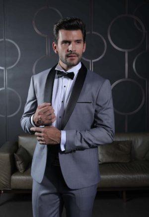 costume-mariage-ceremonie-caralys-nice-Giovanni-smoking-col-chale-gris-clair