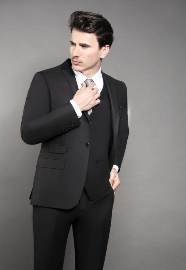 Costume de marié 3 pièces noir soldé