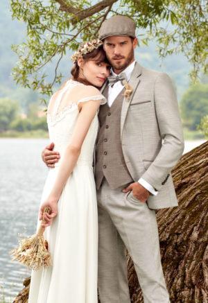 Costume de marié 3 pièces beige clair